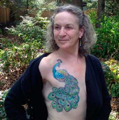 Tatuaje sobre cicatriz de cáncer de mama