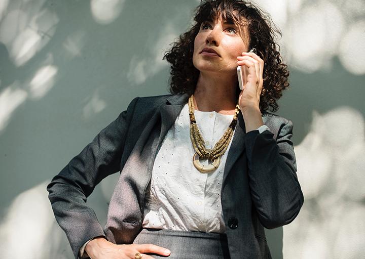 Cómo escoger teléfono móvil para mayores